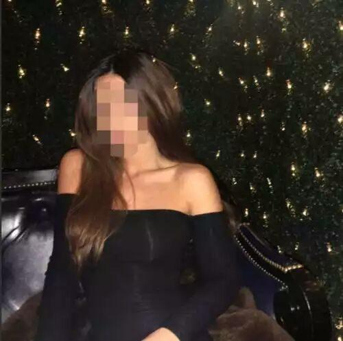 Seks kraliçası kumral bayan Mukadder