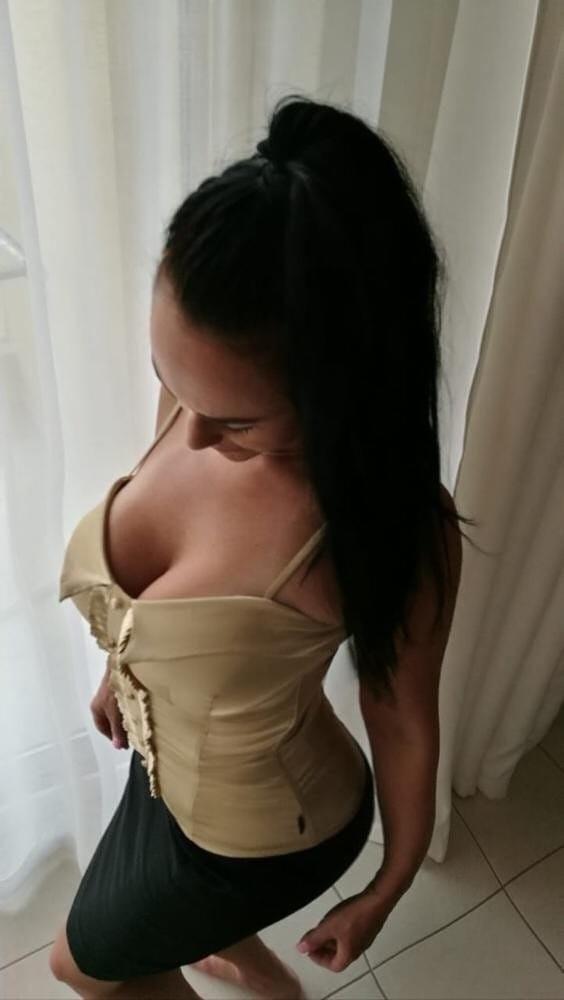 Seksi genç kız Hayriye